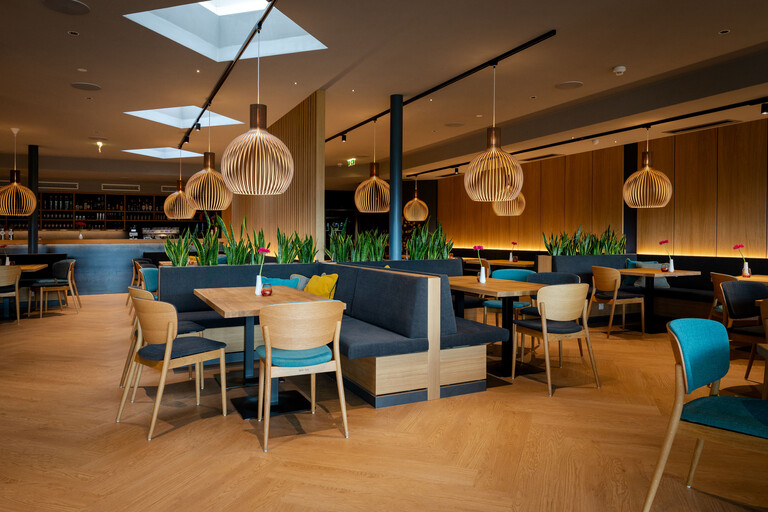 Überblick über die Tische im Gasthaus in Villach Umgebung